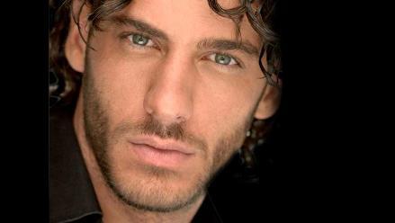 Actor de telenovelas Erick Elías se convierte en padre de una niña