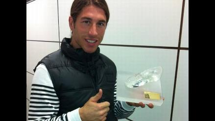 Cristiano Ronaldo regaló bota de cristal a sus compañeros