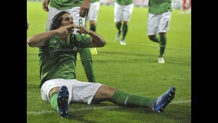 Reviva los tres goles de Claudio Pizarro en el Bremen sobre el Colonia