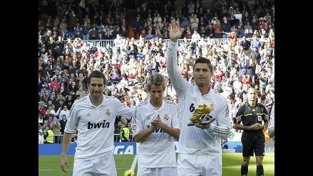 Cristiano Ronaldo ofrece su Bota de Oro al Santiago Bernabéu