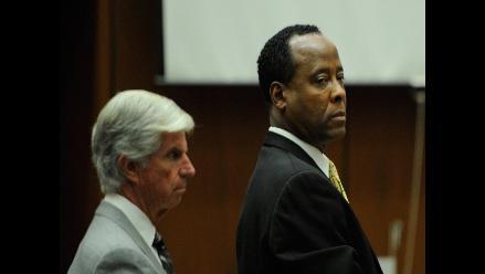 Padres de Michael Jackson conformes con veredicto a Conrad Murray