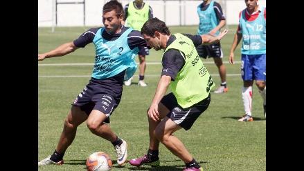 Selección chilena viajó a Uruguay en medio de escándalo de indisciplina