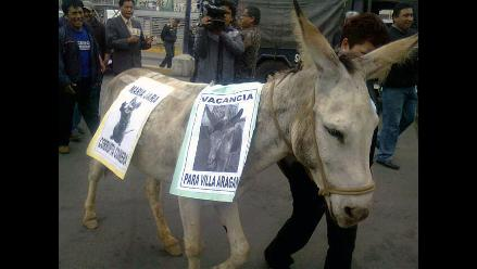 Protestan por retiro de transporte en avenida Túpac Amaru