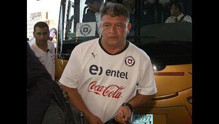 Claudio Borghi recibe apoyo de pupilos tras separar a indisciplinados