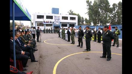 Premian a policías y serenos que capturaron peligrosa banda de robacasas