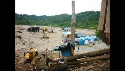 Cusco: Chinos explotan minerales y depredan medio ambiente en Camanti