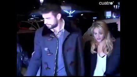 Shakira y Piqué asisten a presentación del libro del padre del jugador