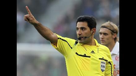Intento de suicidio de árbitro aplaza partido en la Bundesliga alemana