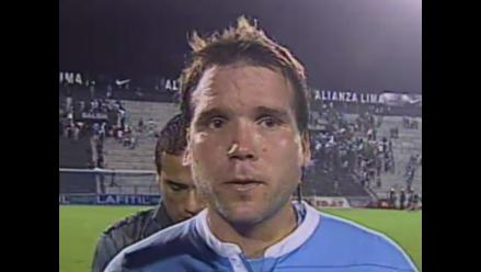 Renzo Revoredo se dejó provocar por hinchas de Sporting Cristal