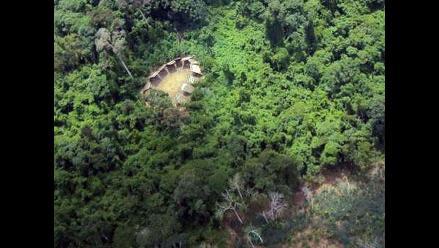 Buscadores de oro clandestinos amenazan a no contactados en Brasil