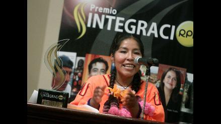 Puno: Familia de Amalia Suaña celebra Premio Integración 2011