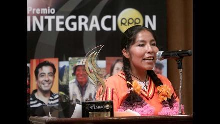 Puno: Familiares de Amalia Suaña celebran premiación a su hija en Lima