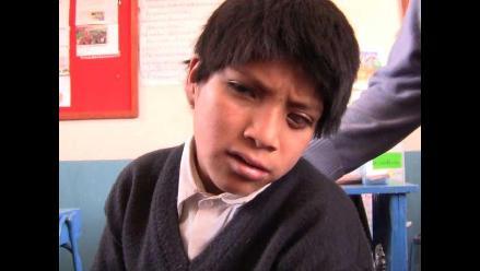 Profesora pide ayuda para niño con riesgo de perder la visión en Junín