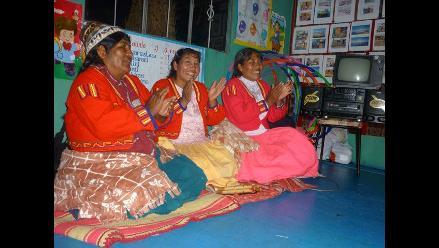 Fiesta en la Isla Tupiri tras el premio obtenido por Amalia Suaña