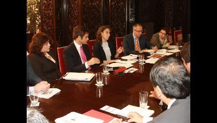 Ministra Trivelli compromete a bancos con la inclusión financiera