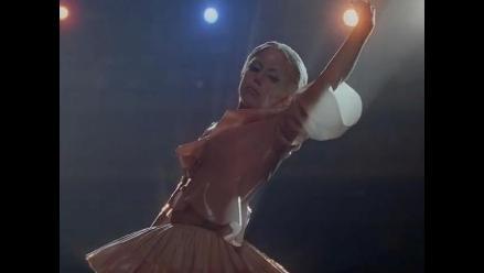 Lady Gaga hace su versión del ´Cisne negro´ en su nuevo video