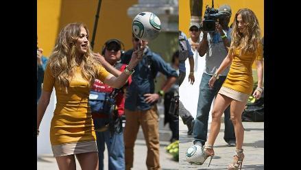 Jennifer Lopez demostró sus dotes con el balompié