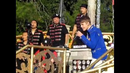 Justin Bieber inauguró las celebraciones de Navidad en Disney World