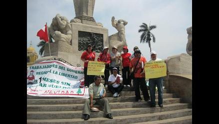 La Libertad: 14 trabajadores exigen sus pagos al gobierno regional