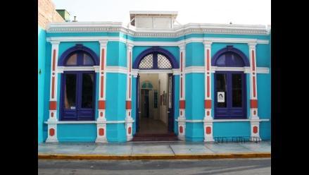 Galería Del Barrio celebra aniversario con exposición de arte popular