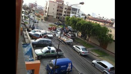 Surco: Triple choque entre ambulancia, movilidad escolar y automóvil