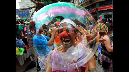 Payasos toman Río de Janeiro para reivindicar la risa en la vida 59fff6a4cdf06