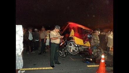 Chiclayo: Dos personas mueren tras violento choque de moto y mototaxi