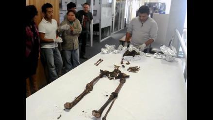 Descubren esqueleto maya de hace 2000 años