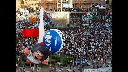 Argentinos celebran reelección de Cristina Fernández