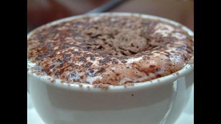 Evite los chocolates de taza con excesiva cantidad de grasa
