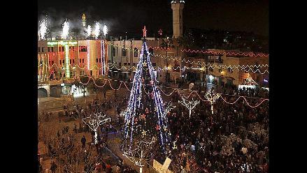 Realizan mágico encendido de árbol de Navidad en Israel