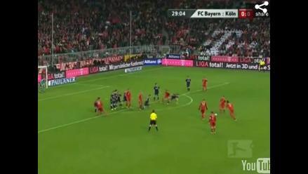 Vea al balón que se revienta en pleno partido de la Bundesliga