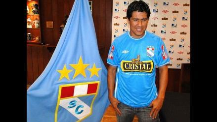 Walter Vílchez acuerda ampliación de contrato con Sporting Cristal