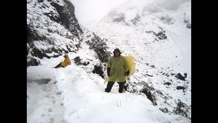 Caída de nieve en carretera Arequipa-Puno dificulta tránsito vehicular