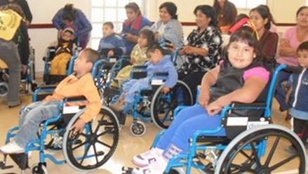 Donarán 100 sillas de ruedas para niños con discapacidad