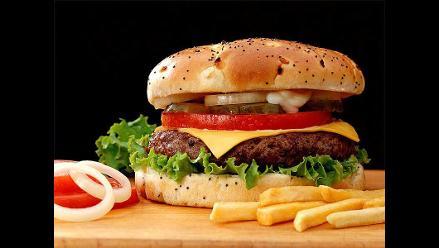 Facebook: Usuarios opinan sobre impuesto a comida chatarra