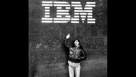 Difunden controvertida foto de Steve Jobs en Google+