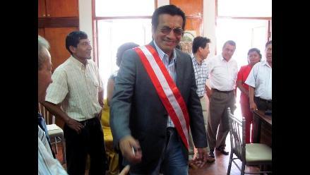 Pese a discrepancias asume cargo nuevo gobernador regional de Lambayeque