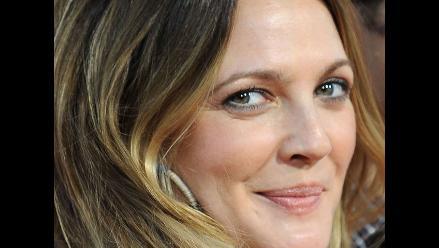 Drew Barrymore recibió anillo de compromiso con impresionante diamante