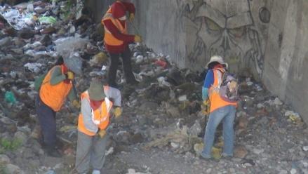 Arequipa: Refuerzan bases de muros de contención ante fuertes lluvias