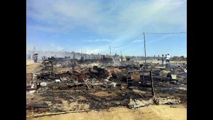 Incendio dejó sin hogar a unas 350 familias en Chimbote