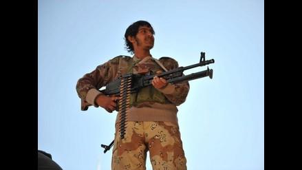 Veinte muertos en violentos combates entre chiíes y salafistas en Yemen