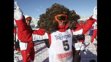 Fernando Alonso se olvidó de los autos y se puso peluca para esquiar
