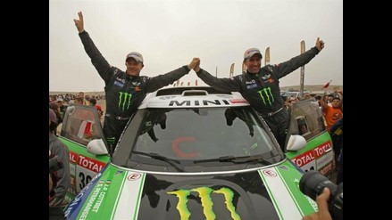 Stéphane Peterhansel contento por haber ganado su décimo Rally Dakar