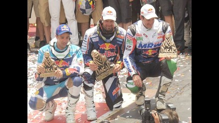 Despres y Peterhansel celebran título del Dakar en Plaza de Armas de Lima