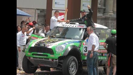 Ollanta Humala hizo de copiloto junto al campeón Stéphane Peterhansel