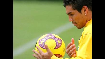 Paraguayo Salvador Cabañas regresa al fútbol con el club 12 de Octubre