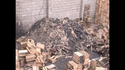 Vecinos mortificados por almacenes de javas en La Victoria