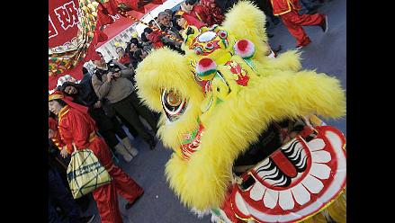 España: Cientos se preparan para el Año Nuevo Chino del Dragón