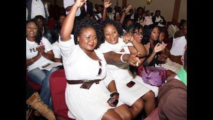 Mujeres de Malaui protestan contra rechazo al uso de pantalones